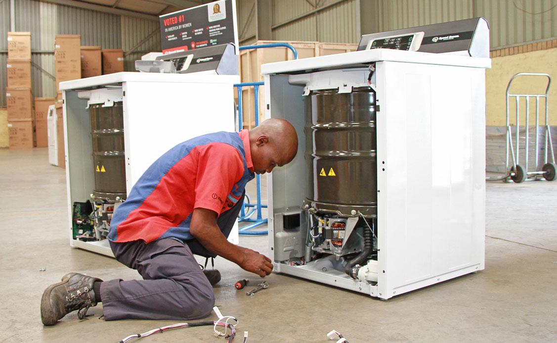 speed-queen-technician-repairs