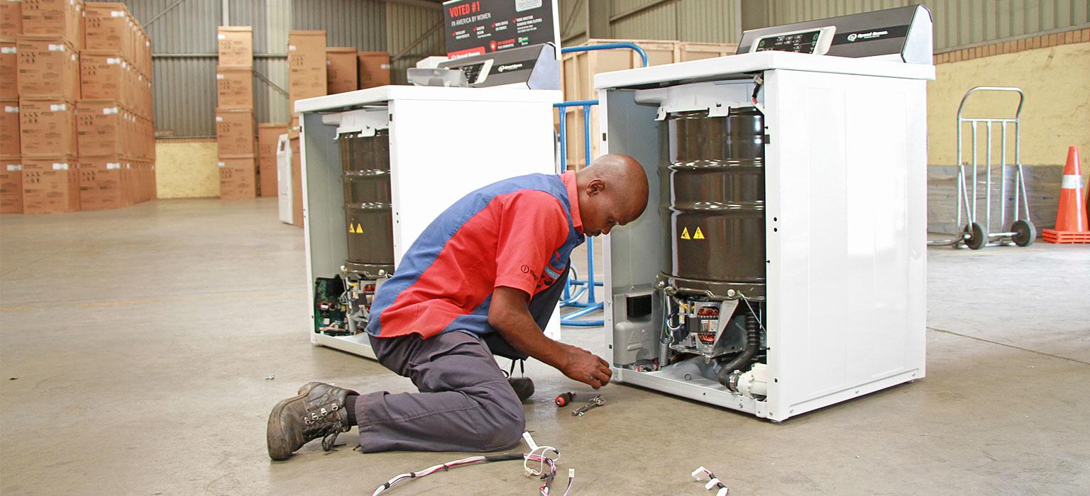 Johannesburg-speed-queen-repairs-technician